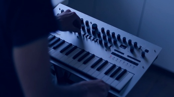 Fan covers Death Stranging music on Korg Minilogue